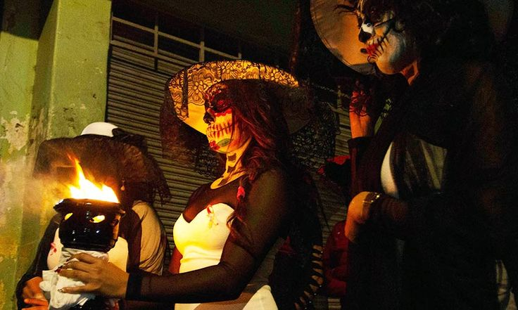 Recuerdan con ofrenda en La Merced a sexoservidoras asesinadas (Fotos) - Aristegui Noticias