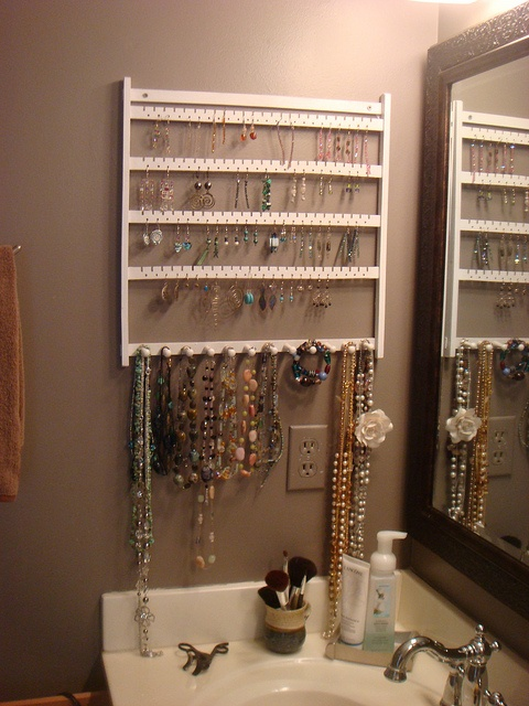I would probably start using more of my earings if I was this organised.