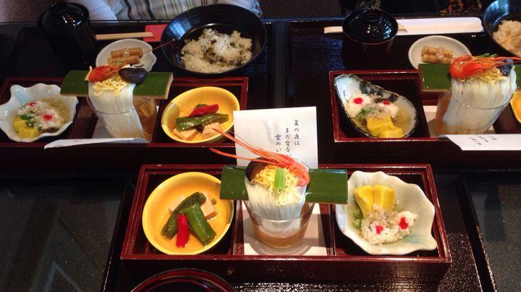 小倉山荘でおこわ膳、餅膳