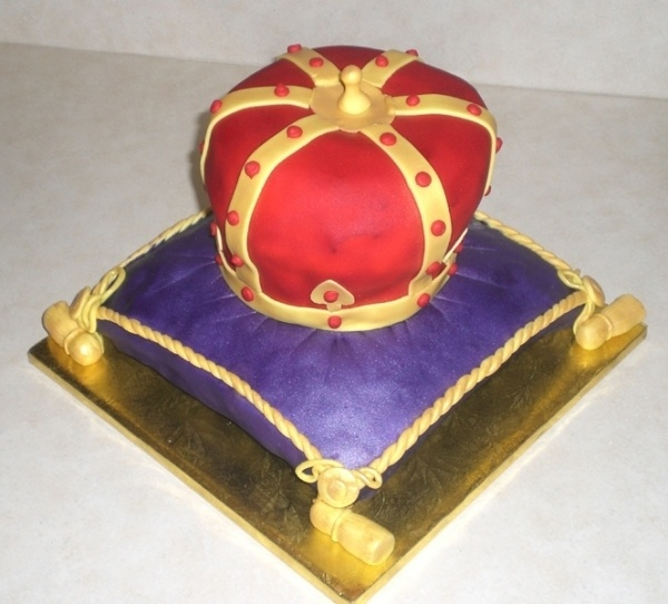 Crown Cake Images