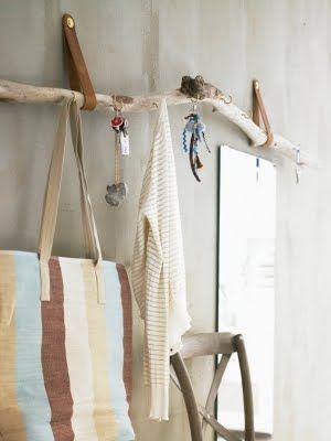hanging driftwood rack ♥ Loved by www.miekinvorm.nl || illustration, handlettering + design