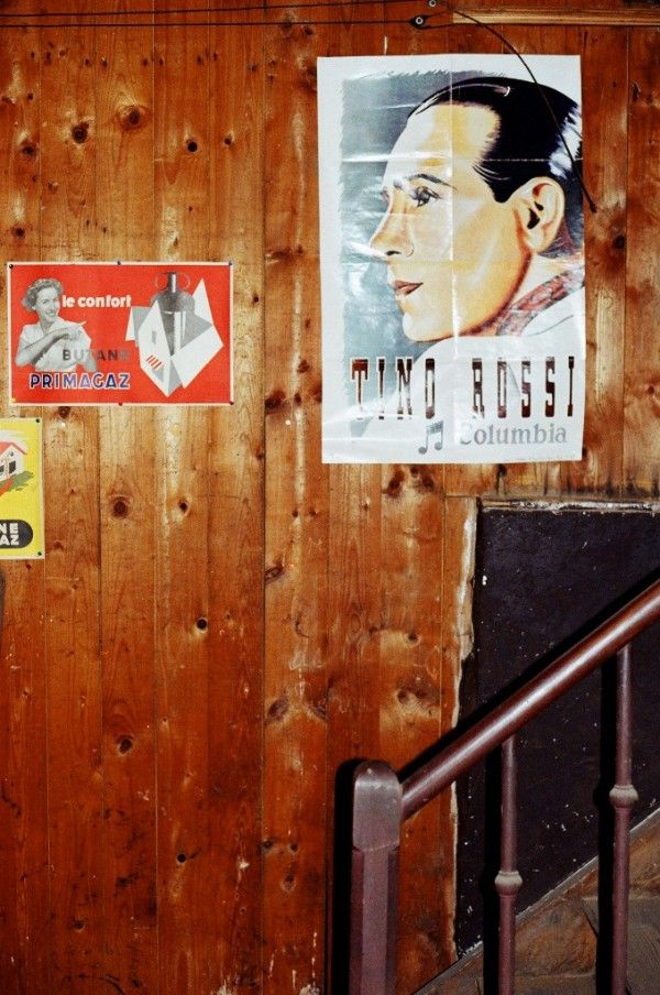 Color photograph of a poster of Tino Rossi discovered at Fraize (Vosges) in the attic of a house