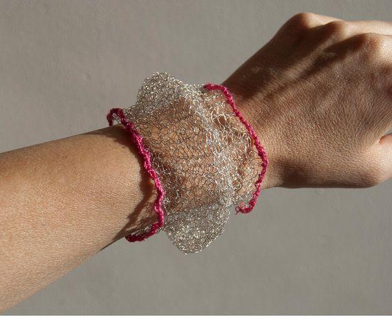 gebreide zilveren armband van dellalana op Etsy