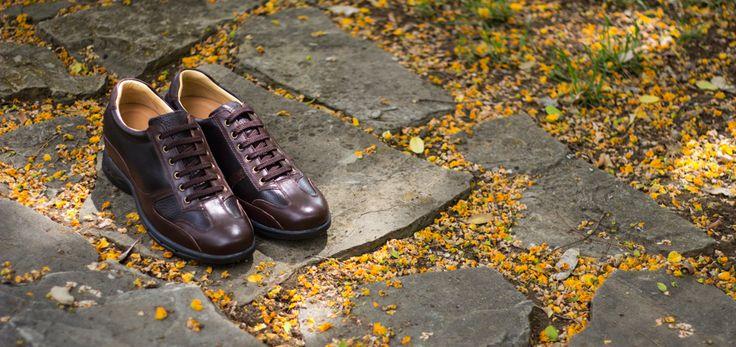 """Zapatos deportivos """"Carrara"""" con diseño italiano completamente flexibles y anatómicos. Perfectos para combinar con pantalones vaqueros o chinos. Resistente a los golpes. https://www.masaltos.com/es/zapatos-con-alzas-hombre/tronisco/modelo-carrara/217/2 #masaltos #zapatosconalzas #zapatosdecalidad #primavera"""