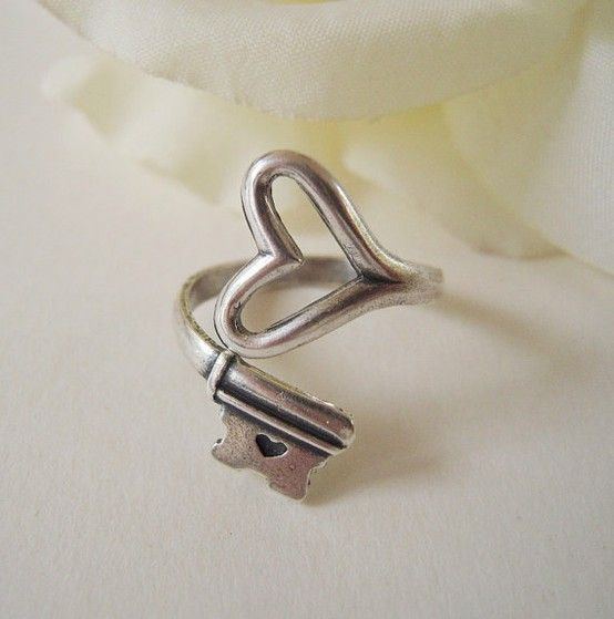 heart & key ring: Cute Rings, Keys, Heart Rings, My Heart, Jewelry, Accessories, Key Rings