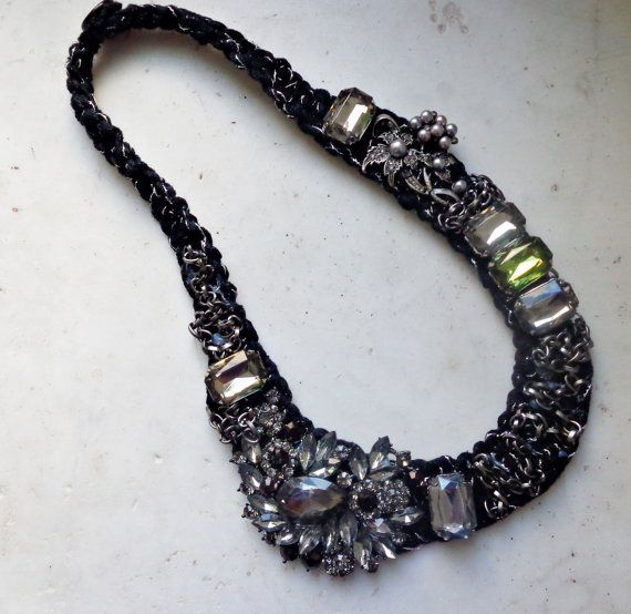 Statement necklace, necklace with pearls and strass flower, necklace with rhinestone, black necklace, statement necklace