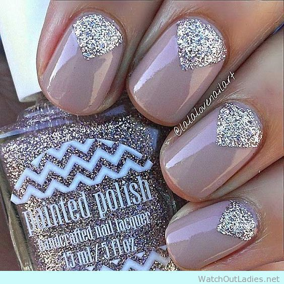Get inspired with this 19 really easy nail arts for the season