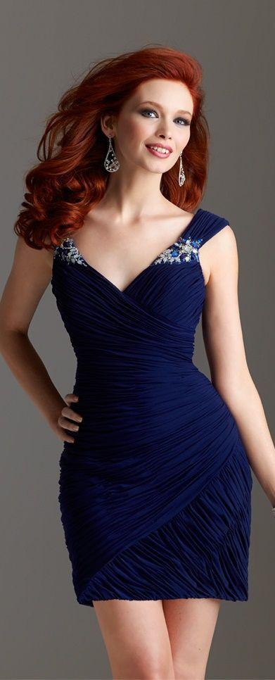 Was trägt man zu roten Haaren? 18 Süßes Outfit für rote Haarmädchen