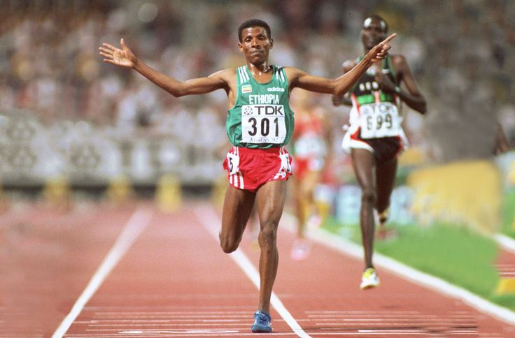 Après plus de vingt-cinq ans de carrière, deux titres olympiques, 27 records du monde... L'ancien athlète s'est reconverti en businessman multicartes. Et caresse l'idée d'entrer en politique.