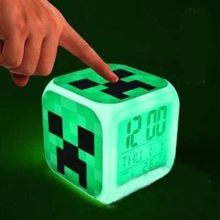 https://flic.kr/p/Tecse1 | Minecraft Temalı, Termometreli, Led Işıklı Dijital Masa Saati . Çocuklarınız için mükemmel bir hediye. Hem başucu lambası hem termometre hem de saat.  #minecraft #steve #enderman #enderdragon #Saat #Masasaati #Termometre #clocks #watch #saatler #moda #dij