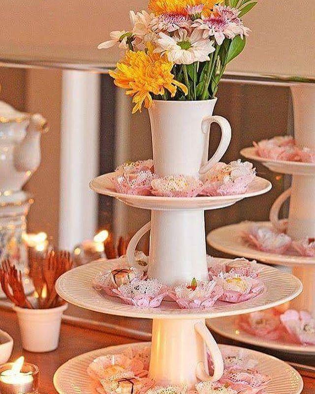 {INSTAGRAM @nossasbodas} Linda forma de decorar as #bodasdelouça  {foto: casos e coisas da bonfa} Veja mais ideias no nosso pinterest: www.pinterest.com/nossasbodas