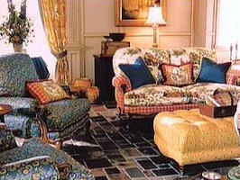 French Country Living Room - LOVE all the colors (but the blue - won't go with my walls as is) but the other colors would be AWESOME