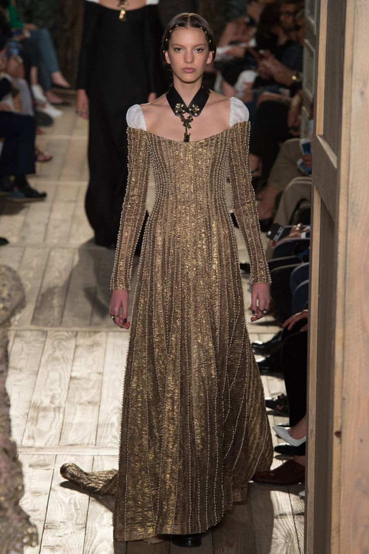 Valentino Fall 2016 Couture