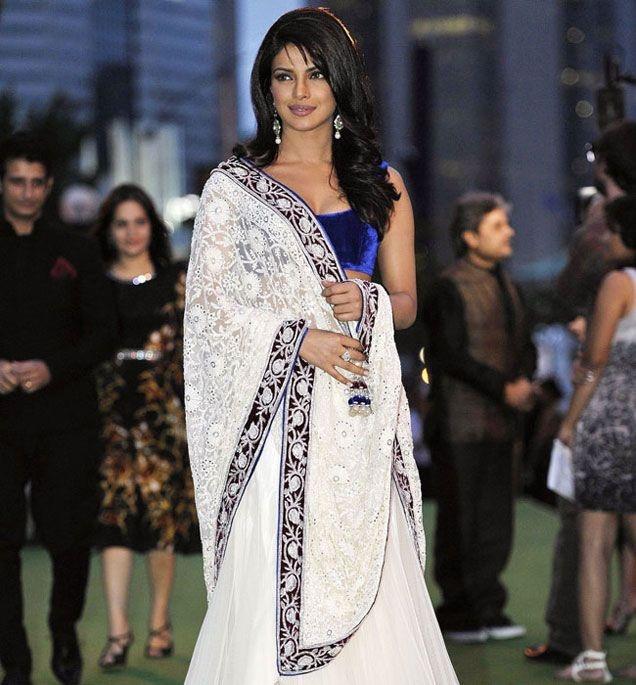 Priyanka Chopra displays elegance #Bollywood
