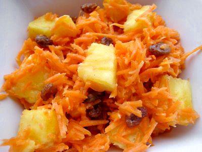 Joghurtos-ananászos sárgarépa saláta