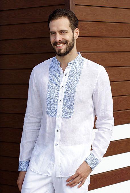 Un design inspirat din motive orientale oferă un plus de eleganță unei ținute lejere.