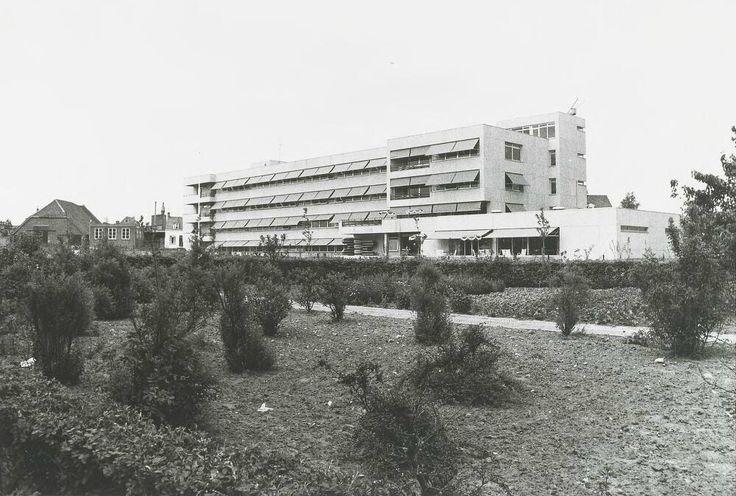 Het verpleeghuis en revalidatiecentrum Sancta Maria aan de Pastoor van Kessellaan 1974