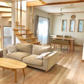 hinatabokkoさんの、ウッド,ダイニングテーブル,北欧,ナチュラル,整理収納アドバイザー1級,シンプル,ローテーブル,無印ソファ,リビング階段,部屋全体,のお部屋写真