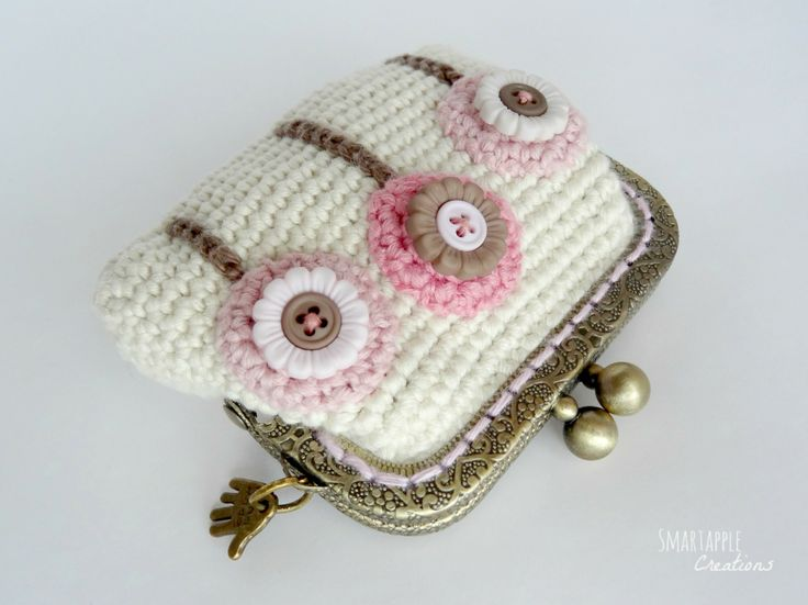 Crocheted coin pouch by Smartapple Creations