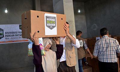Kardus Besar Paket Ramadhan itu Hadir di Gaza