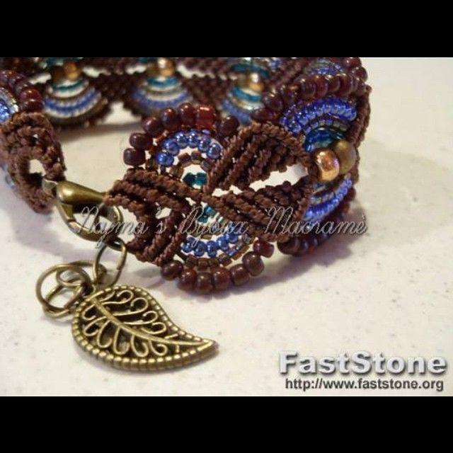 #Najma'sbijouxmacramè #Facebook  #colori #perline #blu #oro #foglia #braccialetto #macramee #macramè #gioiello #handmade #blue #brown #leafs
