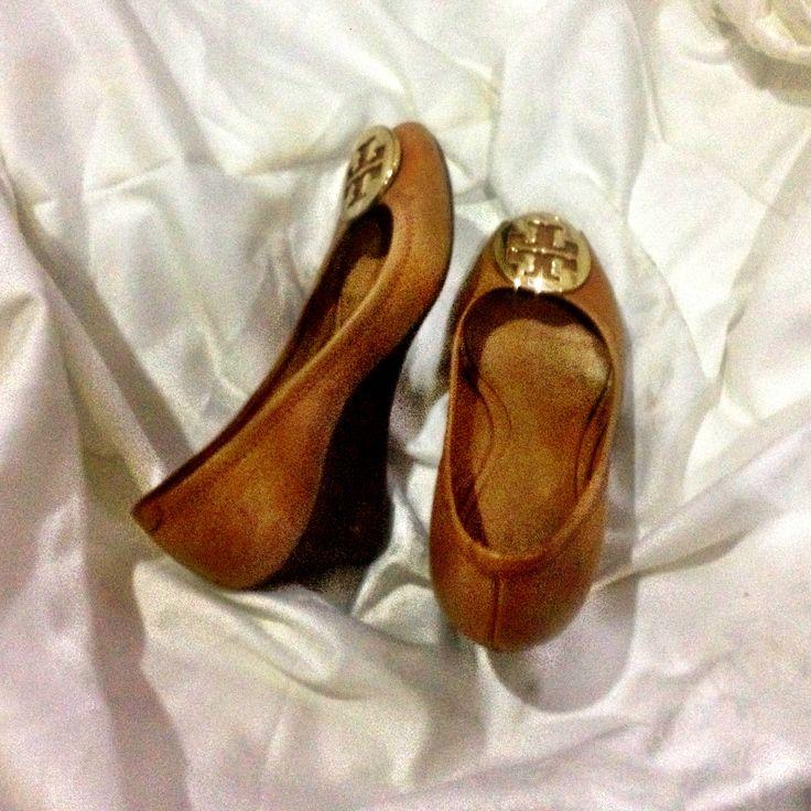 brown sally peep toe tory burch