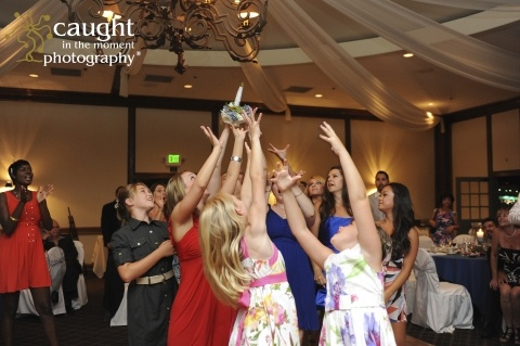 I love a great toss bouquet picture!