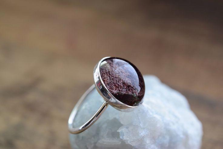 Phantom Quarz-Ring. Sterling Silber Runde Quarz Lünette Ring. Lünette Quarz einfachen Ring. Phantom Quarz Lünette Schmuck. Natürliche Ring von happylittlegems auf Etsy https://www.etsy.com/de/listing/486127573/phantom-quarz-ring-sterling-silber-runde