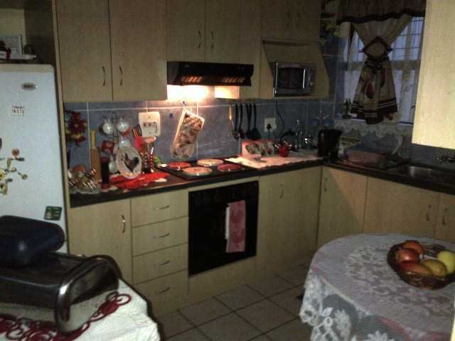 Goodwood Border Parow_West Upper: Secure 70sq 2Bed Flat+Parking Galore | Goodwood | Gumtree South Africa