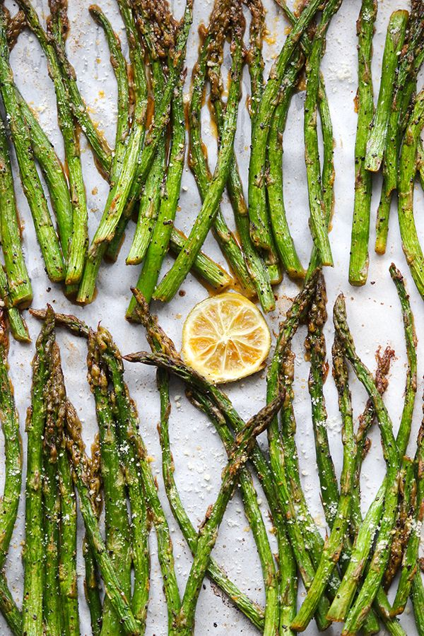 Simple Roasted Asparagus |simplegreenmoms.com| #cleaneats