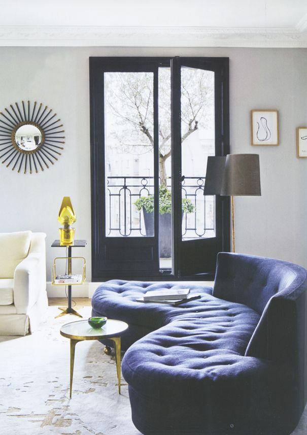 I want those french doors.....ECLECchic: APARTMENTO PARISINO por Sarah Lavoine