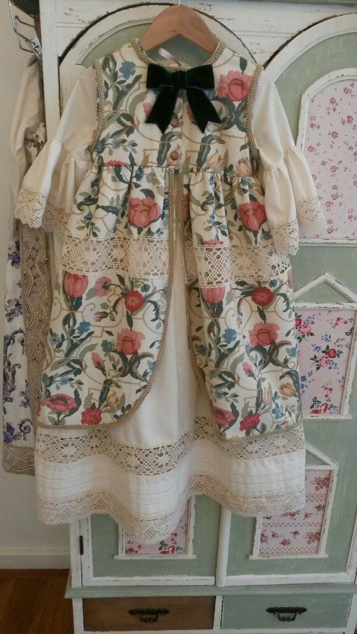 Espalda traje renacentista niña by tetieros