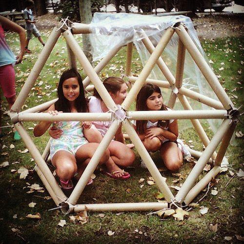 aprendiendo de estructuras trianguladas construyendo una cúpula geodésica ©chiquitectos