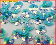 Increíble láser brillantes lentejuelas deslumbrante, forma de la flor 12 mm, 2000 unids, Baby blue, para accesorios de costura Diy Artware piedras y cristales(China (Mainland))