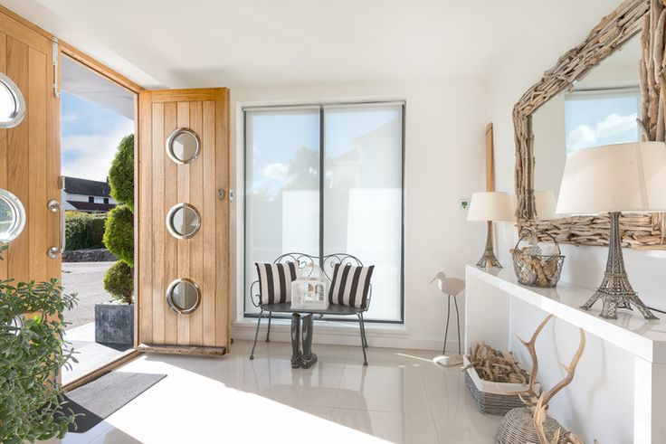 Beach Style Entry - screen fabric roller blinds