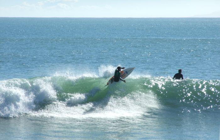Serious surf course, raglan