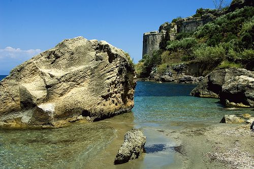 The town of Koroni sits on the southwest peninsula of the Peloponnese on the Gulf of Messinia #beach #greece #messinia