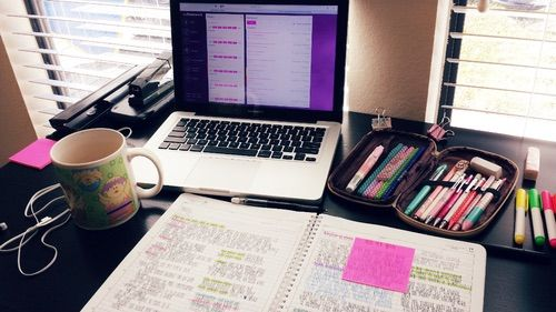 Afbeelding via We Heart It https://weheartit.com/entry/157881900/via/15584923 #books #college #education #school #studying #tumblr