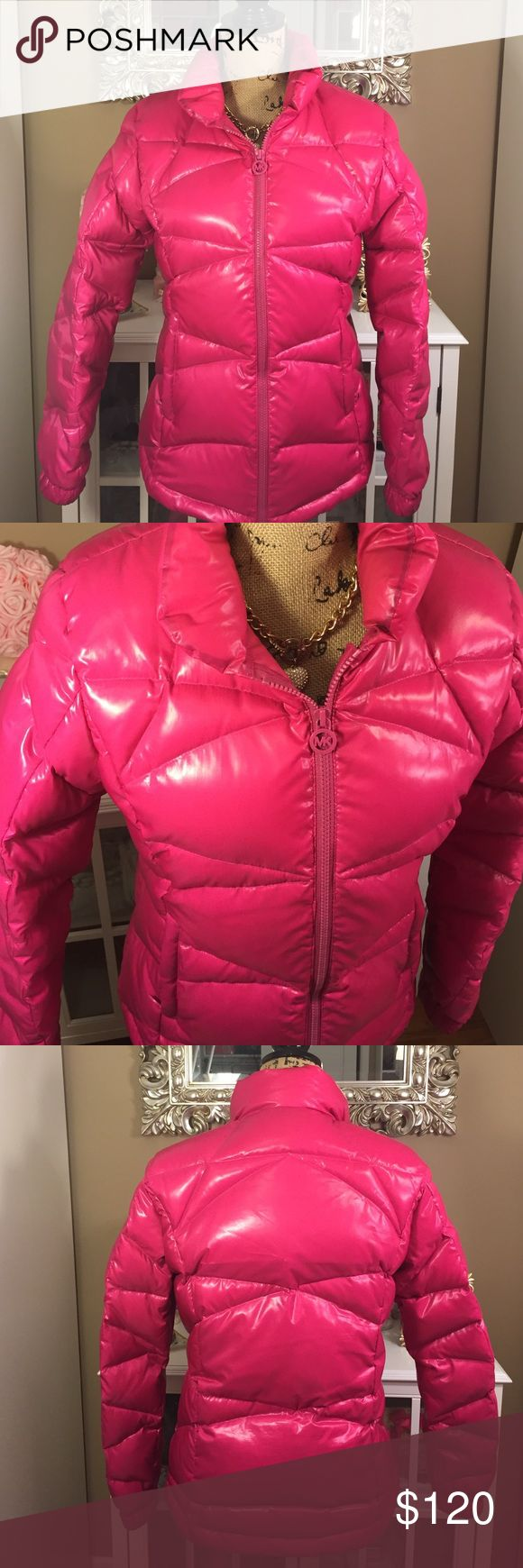 Flash Sale! ✨ Michael Kors Pink Puffer Coat ✨ Adorable hot pink Michael Kors puffer coat ✨ Pockets inside & out. No damages or defects! Michael Kors Jackets & Coats Puffers