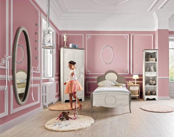 Дизайн детской комнаты для девочек: 100 фото воплощений розовой мечты http://happymodern.ru/detskie-komnaty-dlya-devochek-70-foto-voploshhenij-rozovoj-mechty/ Зеркало - одна из основных деталей в комнате девочки