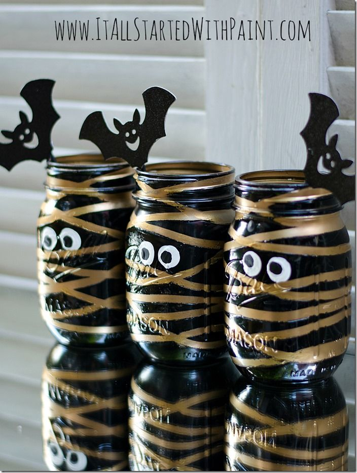 mummy mason jars painted. VERY cute!!