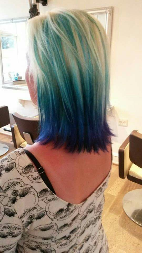 Blue green effect on blonde base