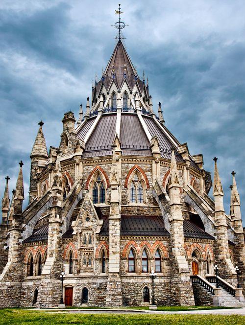 Library of Parliament, Ottawa, Canada. Photo by Tetyana Kovyrina.