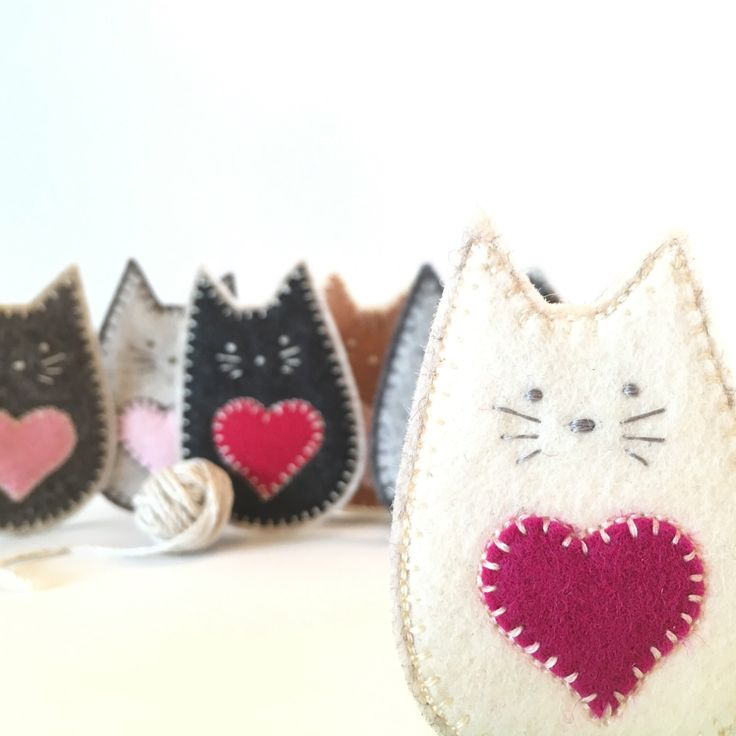 FELT CAT brooch - handcrafted from 100% wool felt - accessories - Valentine's gift - ivory cat by StillLifeHome on Etsy https://www.etsy.com/ca/listing/491625886/felt-cat-brooch-handcrafted-from-100