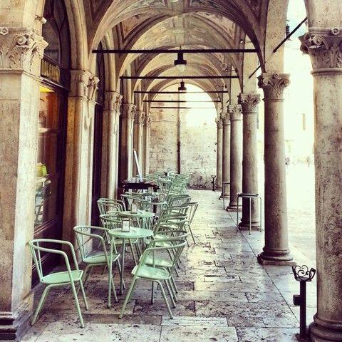 Visit Ascoli Piceno - Detail of Caffè Meletti
