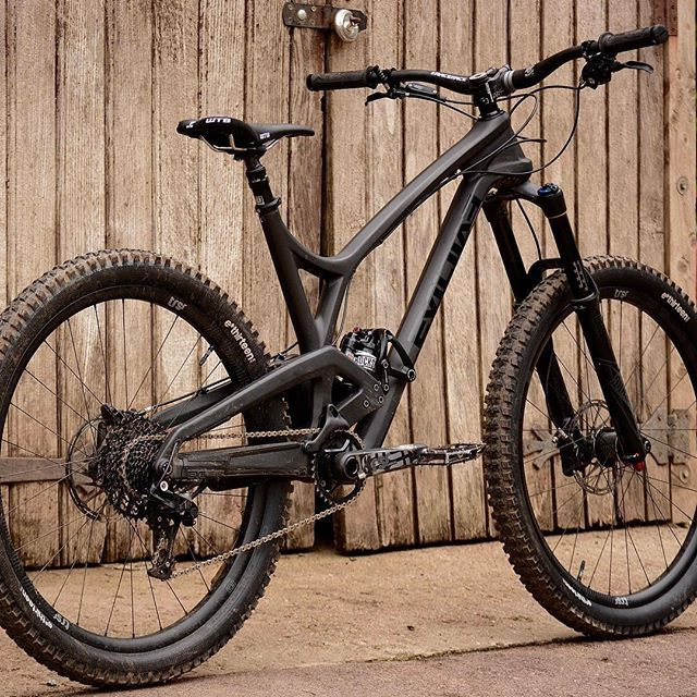 """""""A bike that likes to party"""" Evil Insurgent test on the Dirt site now. @evilbicycles @callum_philpott"""