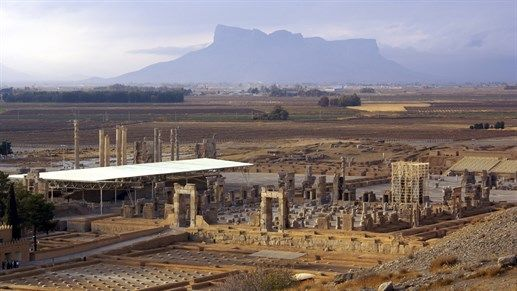 Ruins of the amazing Persepolis in Iran - KILROY #Iran #kilroy #backpacking #travels #attractions