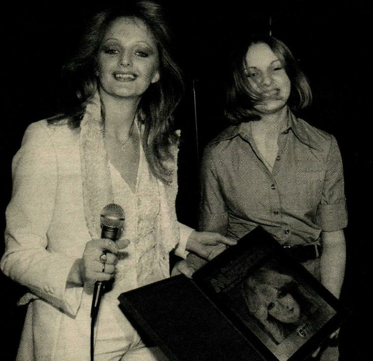 #bonnietyler #press #germany #music #young #gaynorhopkins    the-queen-bonnie-tyler.com
