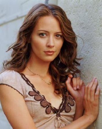 TVドラマ『ヒューマン・ターゲット シーズン1』ではキーマン。キャサリン・ウォルターズを演じたエイミー・アッカー