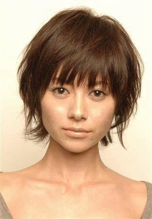 真木ようこさんの髪型といえばショートが魅力ですよね。 私のお客様は比較的ショートヘアのお客様が多いので、真木よう子さんの髪型に憧れるお客様も、たくさんいらっし…